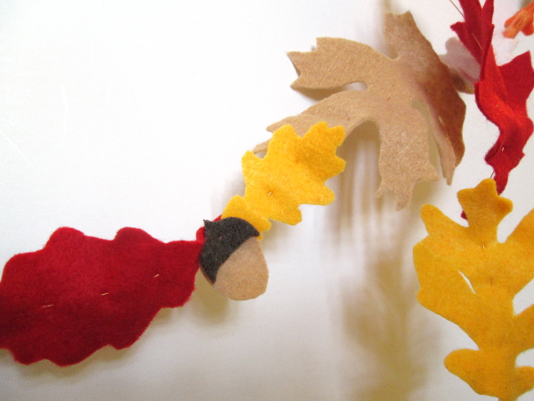 Felt Fall Leaf Garland | Red Circle Crafts