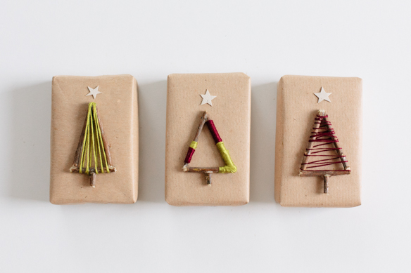 Christmas Tree Gift Toppers Tutorial from Fellow Fellow