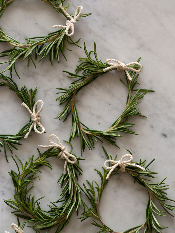 Rosemary Wreaths DIY from Spoon Fork Bacon