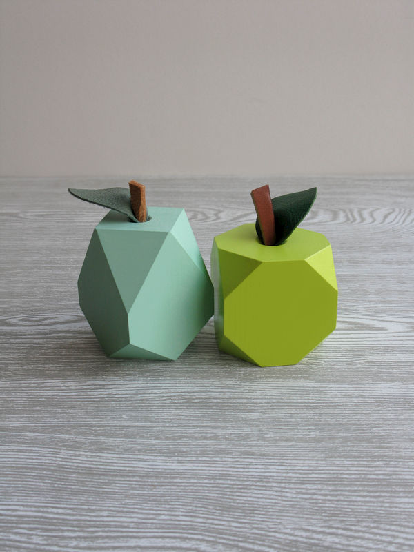 Lo-res Apple & Pear from Log Like