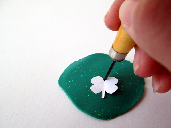 Rainbow & Shamrock Pin Tutorial | Red Circle Crafts