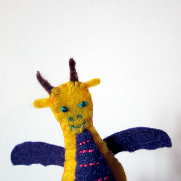 Dragon Finger Puppet Tutorial | Red Circle Crafts