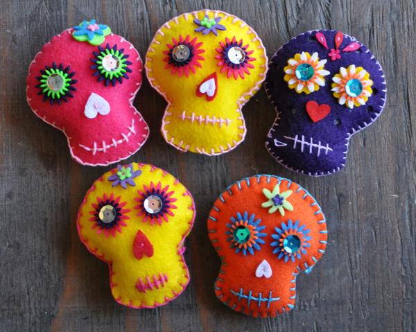 Embroidered Felt Sugar Skull from Casa Artelexia