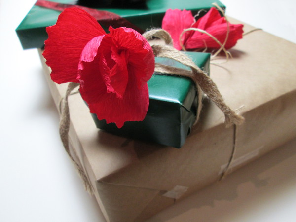 Crepe Paper Flower Gift Topper | Red Circle Crafts