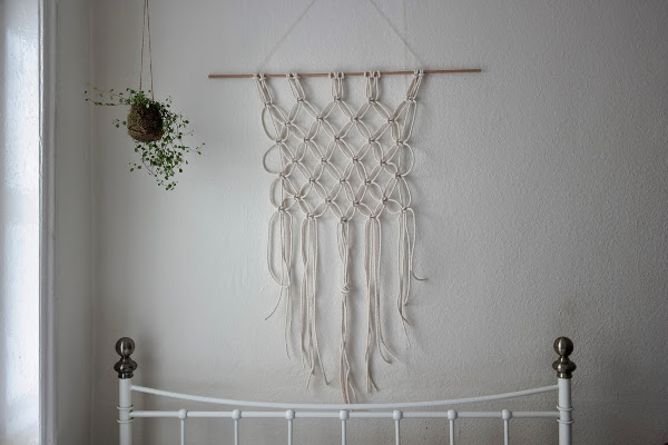 Macrame Wall Hanging Tutorial from Miss Amy Phipps