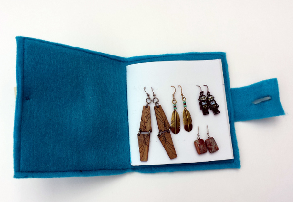 Travel Earring Book | Red Circle Crafts