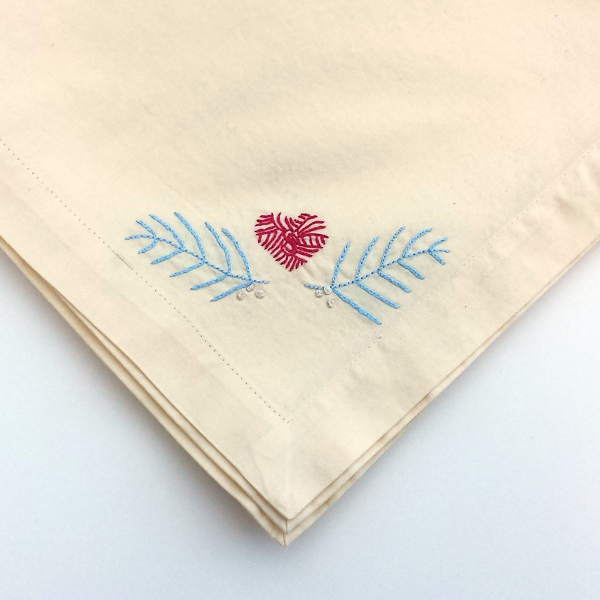 Embroidered Napkins - Free Pattern | Red Circle Crafts